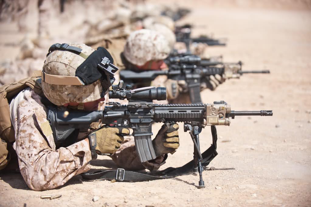Elite Force H&K M27 IAR AEG Airsoft Gun ( Tan / by VFC ) M16 Acog